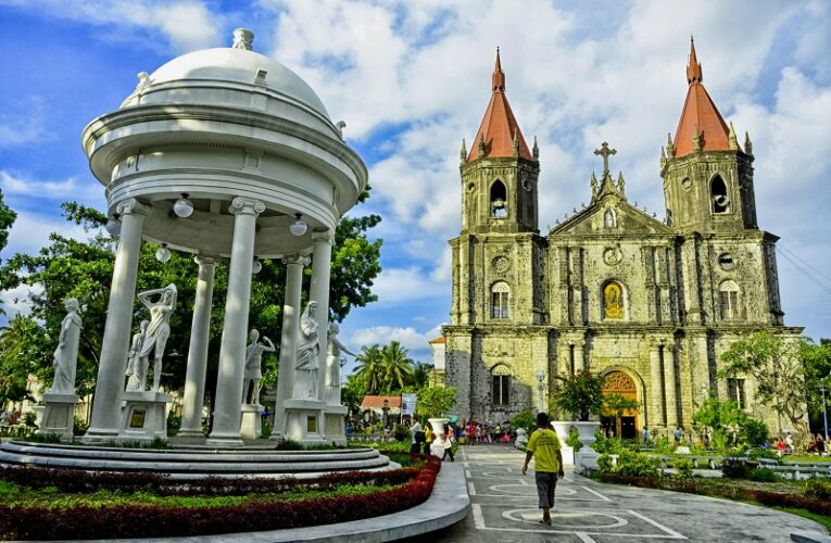 5 Reasons why you should visit Iloilo City!