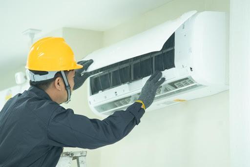Maintenance air conditioner