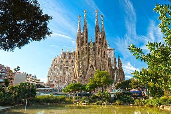 top 10 places to visit in Barcelona